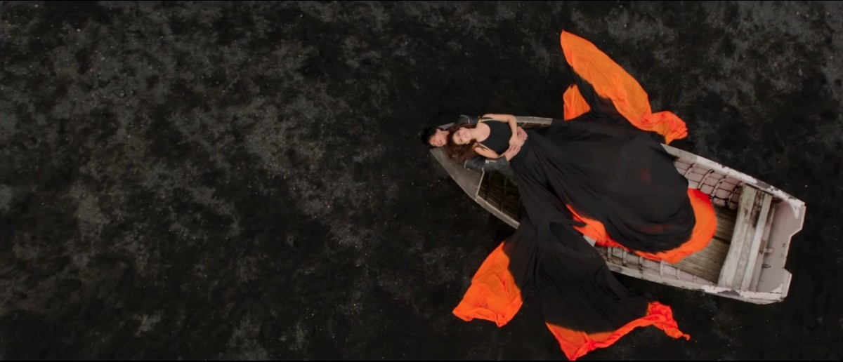 dilwale shahrukh-khan-and-kajol-in-gerua-song