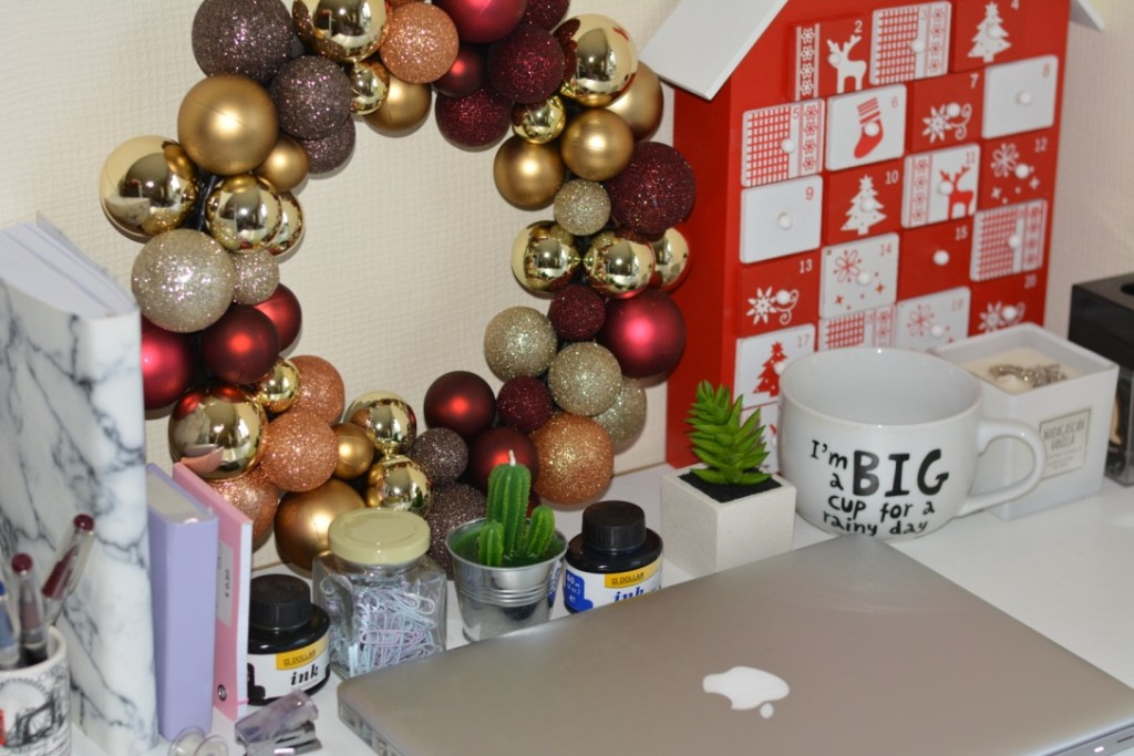 debenhams-christmas-decorations-how-to-decorate-your-workplace- - How To Decorate Your Workplace Desk With Simple Things On A Budget