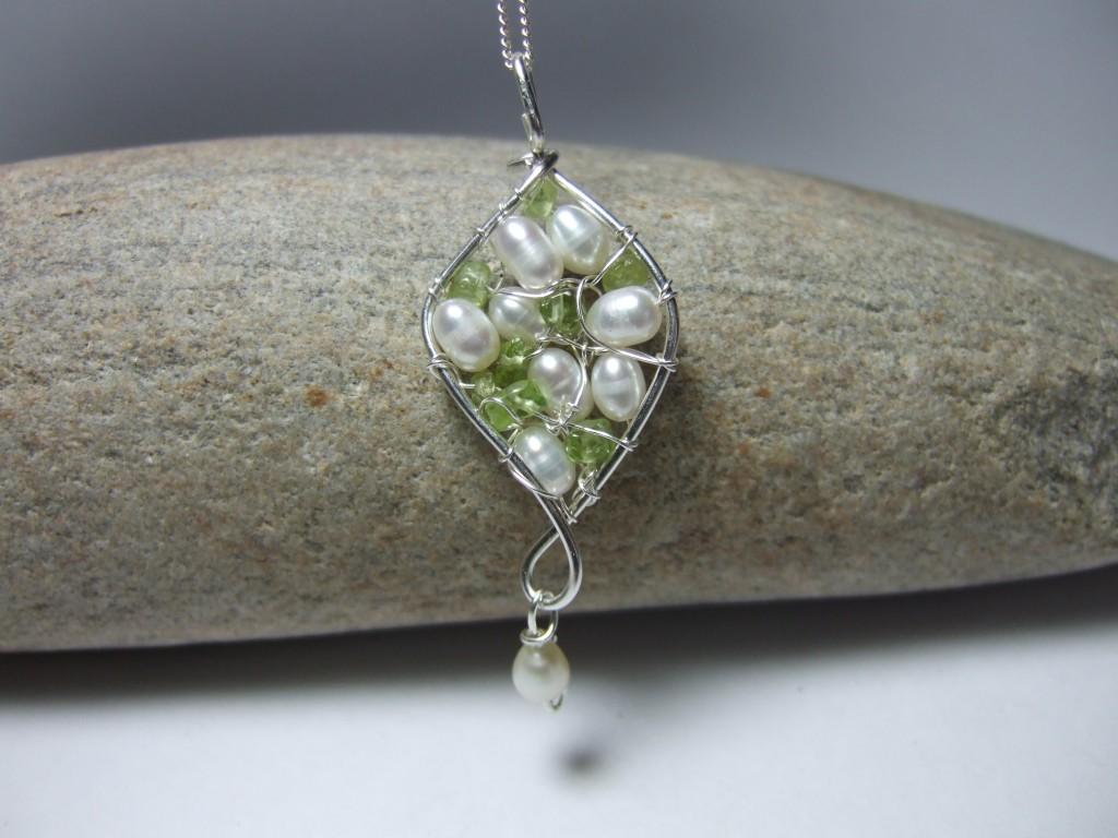 silverwiredesigns-pearl-peridot